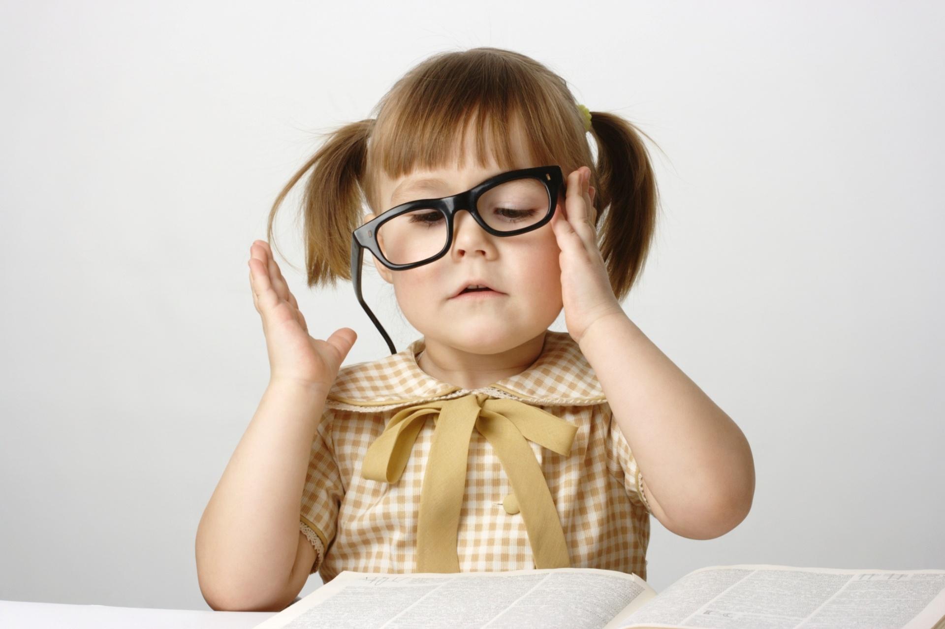 7c23e1047c361 Rede de óticas tem óculos a R  49 para crianças da rede pública de ensino -  Notícias - BOL